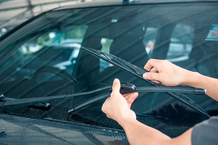 checking windshield wiper blade condidtion for fall season